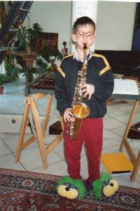 Un peu de saxophone mais admirez les chaussons !