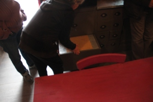 Cuiseur Thermos dans un casserolier de cuisine ...