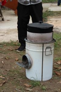 Petit Rocket Stove de Camping, transportable et efficace ! Réalisation Bolivia Inti Sud Soleil